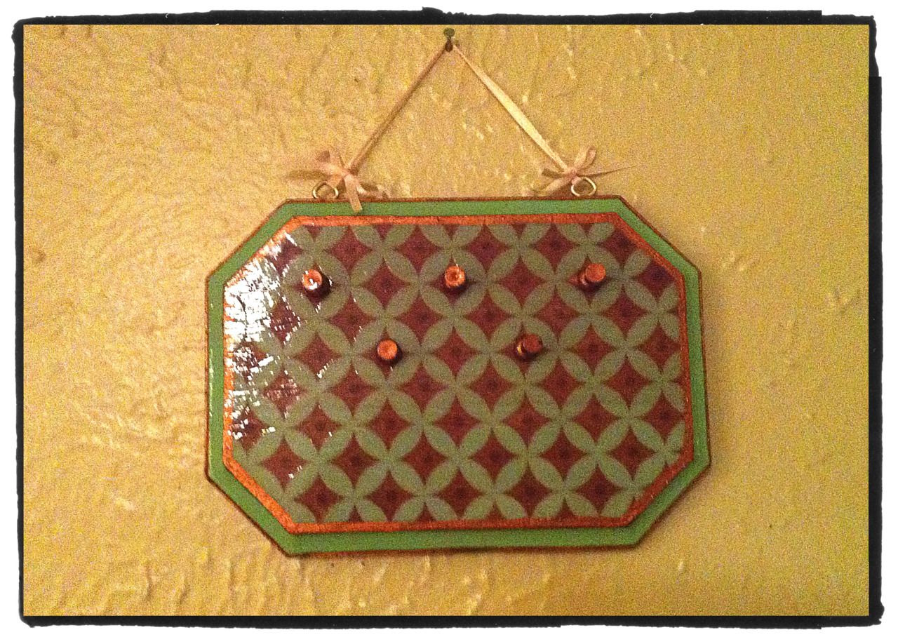 Another jewelry hanger with a paper image transfer. This time I used textured card stock and even with texture it still transferred nicely!