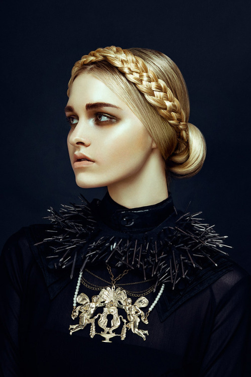 labellefabuleuse:  Photographed by Zhang Jingna for Harper's Bazaar Vietnam, December 2012