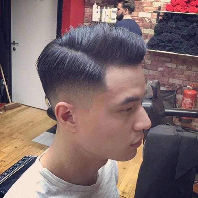 Bucks Barbers — Skin fade by @rhysfergus 👌🏻😏 #weekend #fade...