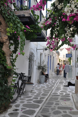 santoriniblog:  Pretty Paros By Roberto Muscatello
