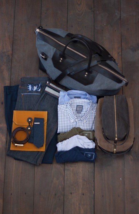 hucklebury:  Essentials for a short trip- Make sure you own a Gingham Shirt!  Follow Hucklebury for daily dose of fresh and inspirational styles that makes you smile everyday ! We make awesome  clothes from 100% Egyptian Cotton, which is woven in Italy !  Source: airows