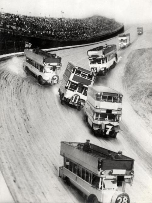 silfarione:  Double-decker Bus Race, 1933.