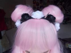I'm a bit obsessed with pastel grunge/goth hair.