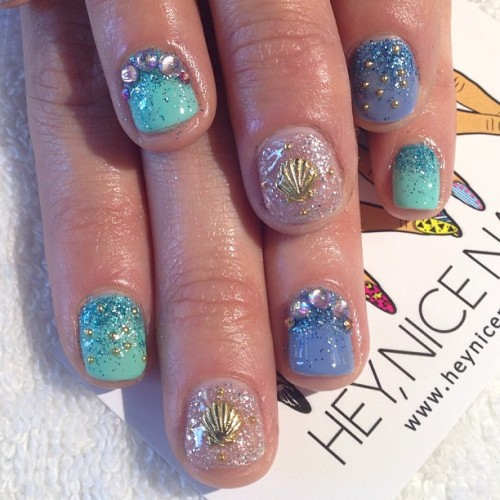 heynicenails:  Mermaid #nailart for #coachella #lbc #nicenailsfornicepeople #hnnxdg  (at Hey, Nice Nails!)