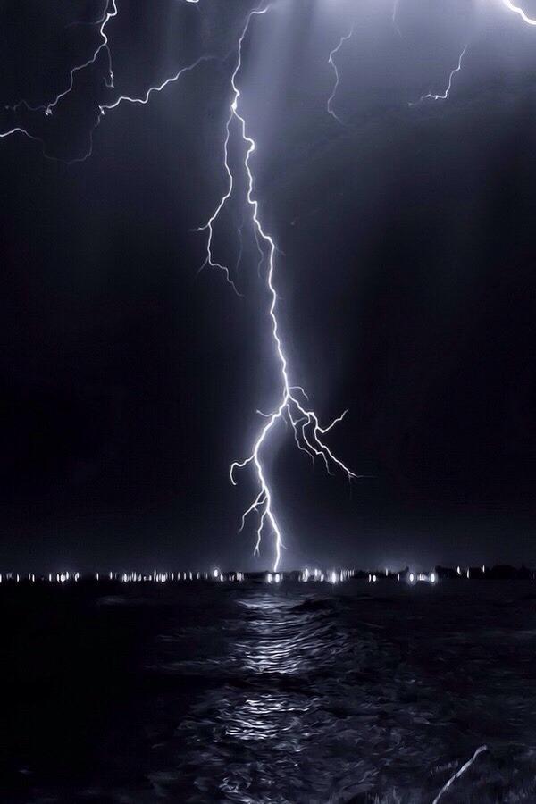 robert-dcosta: Lightning | @ || Robert D'Costa ||