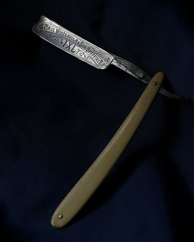 knifepics:  Straight Razor