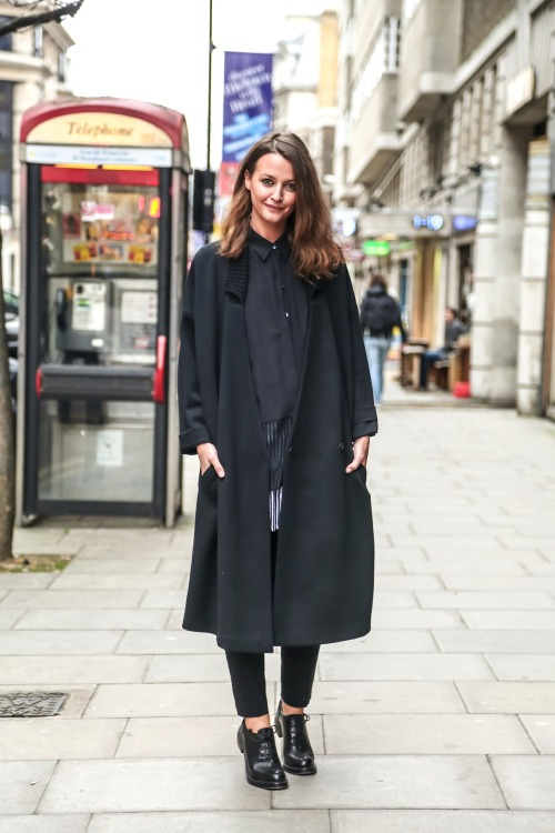 Work an extra long coat with an extra long shirt. All buttoned up, of course.