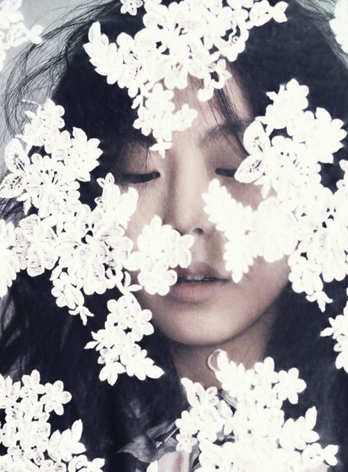 jeou:  Kim Min Hee for 1st Look, February 2012