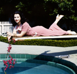 hollywoodlady:  Hedy Lamarr, 1945