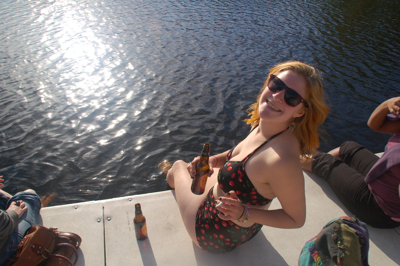 nothin like enjoying beer in the sun. happy spring ;)  fudgebr0wnies submitted: So very true. Thanks for the submission fudgebr0wnies!