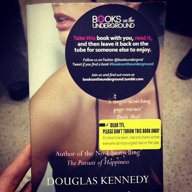 20:50 East London Line - Temptation by Douglas Kennedy #booksontheunderground