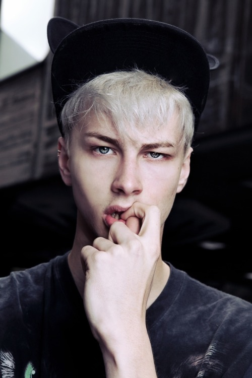 strangeforeignbeauty:  Benjamin Jarvis by Courtney Philip [ fave models | 1000+ notes | facebook | twitter | google+ | instagram ]