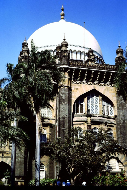italdred:  Victoria & Albert Museum, Bombay 1990 (by jay_1967)