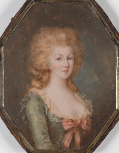 Marie-Antoinette with Uncolored (!!!) Hair by François Dumond There's no date, but I'd say this is late 1770s, especially because she looks so young; it could also be early 1780s (zone fronts were popular in this period). Wasn't she beautiful? I love her delicately arched eyebrows.