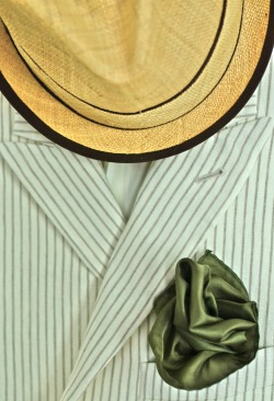 My Boglioli Striped Linen jacket, Straw Fedora and Sil Pocket Square (Sewn into a Rose by me…. cant stand an ordinary pocket square).