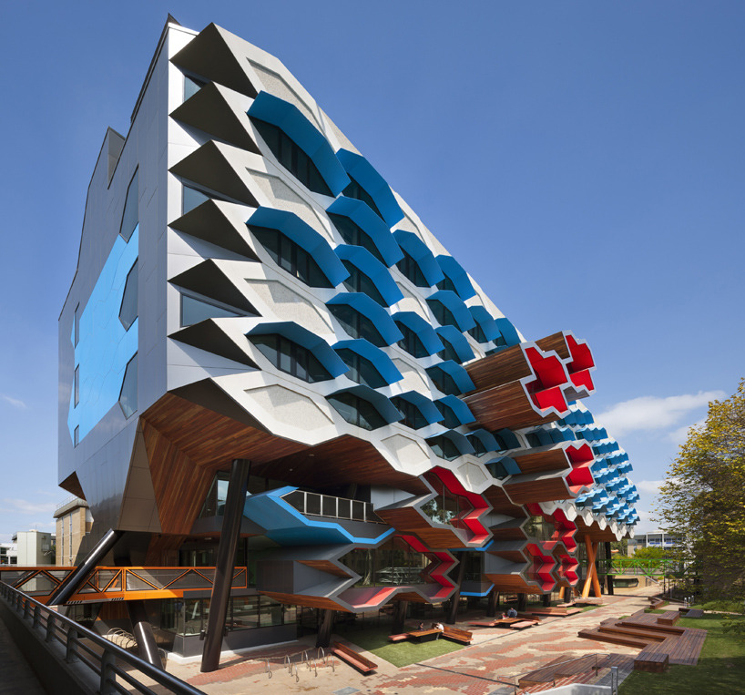 aros:  la trobe institute for molecular science by lyons architects