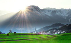 mountainish:  last rays of light (by traumlichtfabrik)