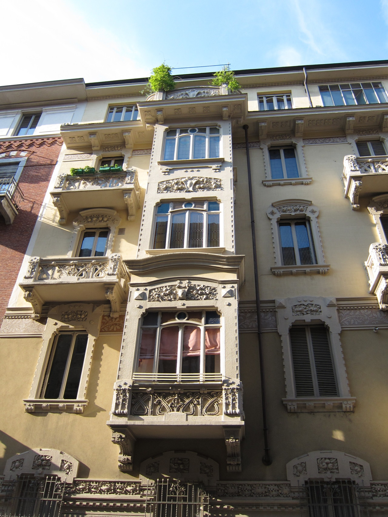Stile Floreale (Art Nouveau) bay window in Turin, Italy.