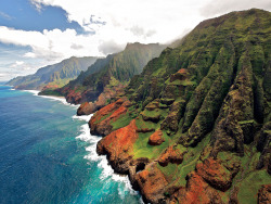 condenasttraveler:  10 Island Escapes to Take Your Mind Off Winter | Na Pali Coast, Kauai, Hawaii