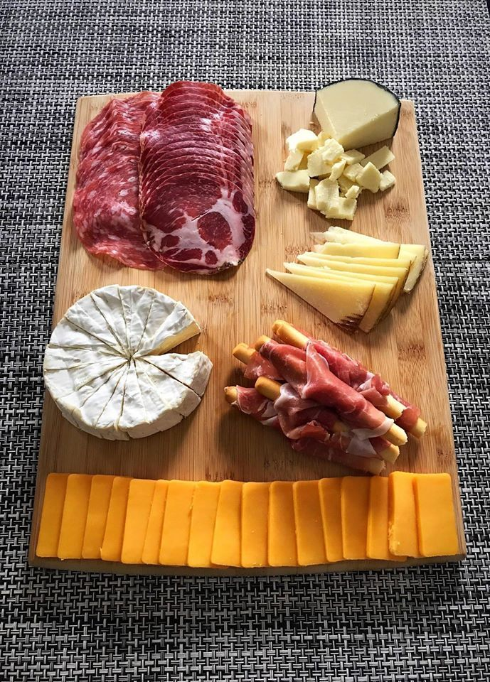 #yum#yummy#delish#delicious#food#foodie#food porn#foodgasm#foodgram#cheese plate#cheddar#brie#procusitto#cheddar cheese#brie cheese#salami#pepperoni#snack#snack plate