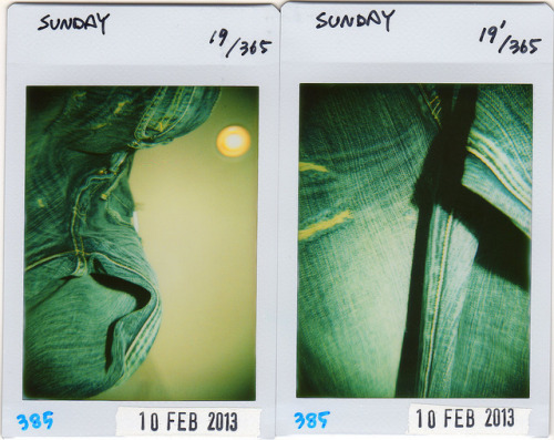 ★37 Project★ 019/365**385 on Flickr.I've got new jeans for the first time in years. Hmm… It's difficult to take closeup photos of Diana+. 何年かぶりに新しいジーンズを買った。Diana+の接写って難しいな…