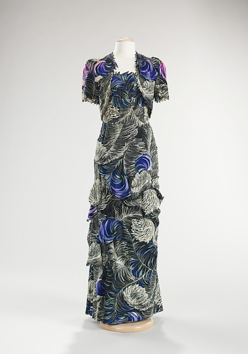 omgthatdress:  Evening Ensemble Henri Bendel, 1940s The Metropolitan Museum of Art