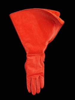 omgthatdress:  Gloves Bonnie Cashin, 1970-1974 The Metropolitan Museum of Art