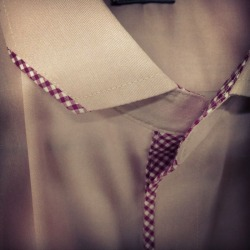 Chiseled collar with micro gingham trimming. Franc Lloyd - Custom Menswear