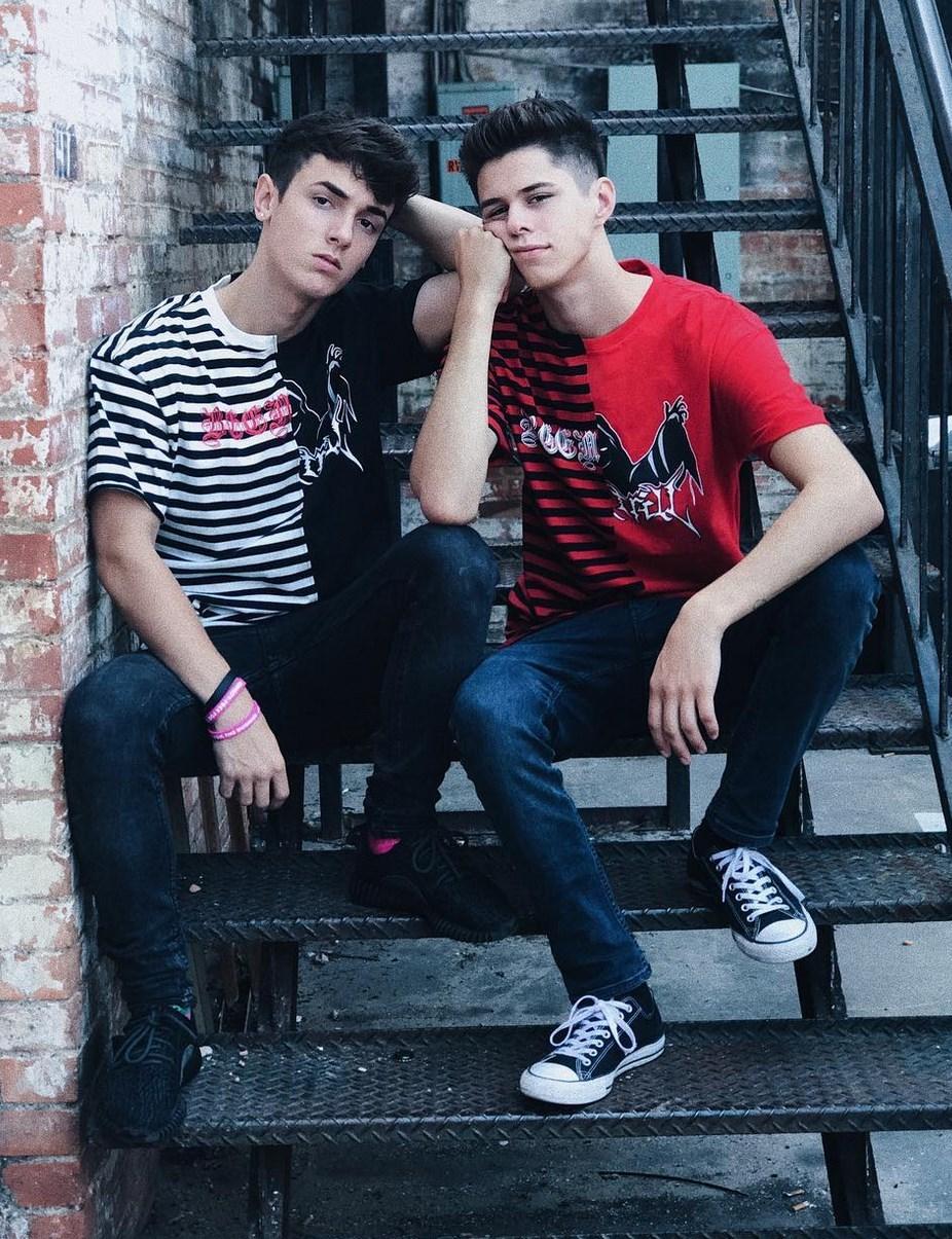 2018-11-08 14:02:45 - jacksonkrecioch and bryce hall san antonio gaygeekgif http://www.neofic.com