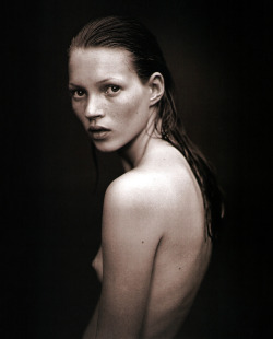 Kate Moss by Mario Sorrenti.