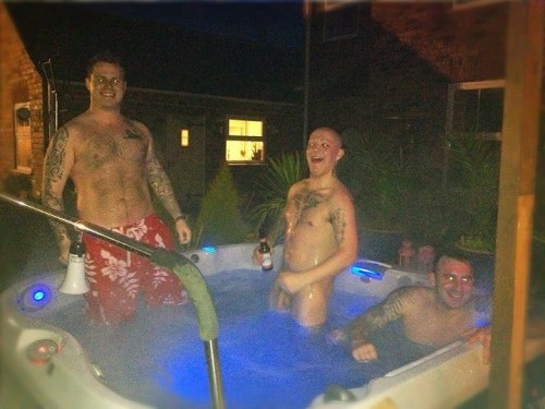 facebookxrated:  Naked hot tub  This is… creepy. Especially homeboy in the middle there.