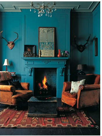 ♥  antlers, kilim & blue painted walls