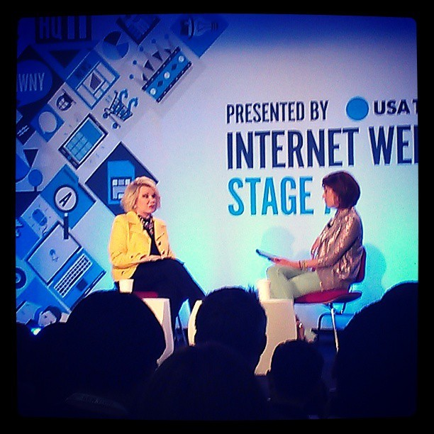 Joan Rivers just called Beiber an asshole. Bless her. #iwny