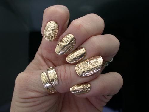 pamelalovenyc:  Incredible nail art by Leanne Helin http://www.leannehelin.com/gallery/nail-totems/original-nail-art/