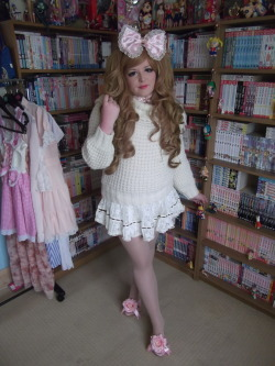 gyarubee:  This weekend I headed off to Nottingham to get some new manga and some photos. You can see more on my blog: www.queserawhatwillbe.blogspot.com