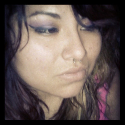 I haven't worn any eyeshadow in like forever. -_-