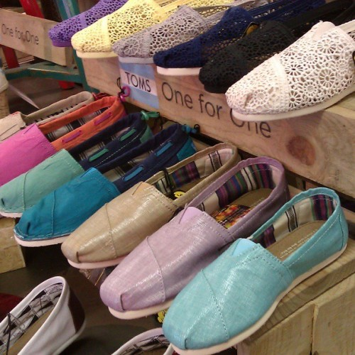 Have yall seen out Spring #TOMS ? This is just a small peek. Come see what's new! #spring #crochet #style @tomsadvos #pastels #biminis #linen #fashion #new #abbadabbas #l5p