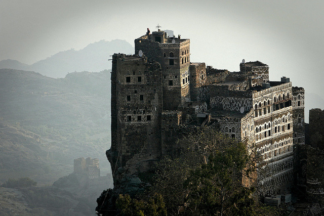 Yemen: habitations dans le djébel Haraz. by claude gourlay on Flickr.