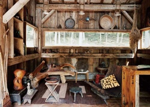 (via Small Rustic Cabin: Materials Reclaimed from 100-year-old Barn) modern rustic vibe
