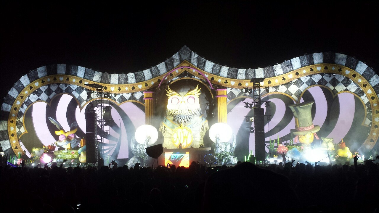 adamr3d:  Nocturnal wonderland was amazing!!! :D #nocturnalwonderland2014 #nocturnalwonderland #rave #raves #edm #electronicdancemusic  #electronicmusicfestival #kandikid #kandi #insomniac