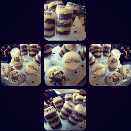 #Chocolate and #Vanilla #Cupcake #Pushpops! 🍫🍰🍦.     For orders please call 07966406400 or email info@acupfull.co.uk  All prices and sizes on the website www.acupfull.co.uk   #cake #baking #yum #yummy #ACupFull #food #Foodporn #instafood #sweet #handmade #homemade #creative #iwant #instadaily #instagood #love #photooftheday #follow #wow #amazing #dessert #birthday #birthdaycake #beautiful #igers  (at A Cup Full HQ)
