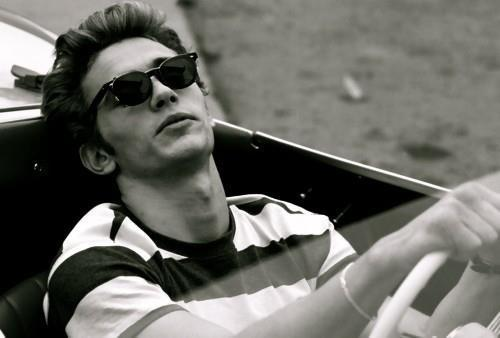 arnelavatres:  electric-wish:  James Franco as James Dean (in the movie James Dean)  he was so hot when he was younger!