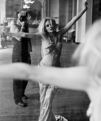 dujourmedia:  Diane Kruger and Sante, Theatre Trianon, Paris, 2005 by Sante D'Orazio (courtesy of Christie's Images LTD., 2013). See more from the photographer's exhibit Other Graces here.