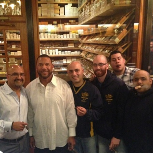 With Gary Sheffield , Nish Patel , #botlnychapter  Samir and Riggz , #longfillerslounge Tom at Gary Sheffield 's party at Cigar Inn . #cigar #cigars #cigarhub #cigarinn #cigarporn #cigarinnbotl #cigaroftheday #cigaraficionado #cigaraficionados #nyc #nycbest #nyccigarlounge #sotl #best #botl  @samir_112 @riggzdrinkscoronas @tom_cassano   (at The Cigar Inn)