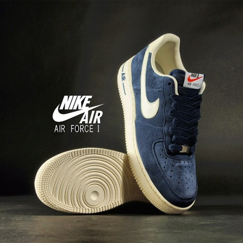 sizeofficial:  Nike Air Force 1 Suede 'Blazer Pack' ~ Available in all size? stores and online now ~ Sizes range from 6 - 12UK (including half sizes), priced at £70 #size #nike #air #force #af1 #blazer #suede #sizehq  (at product code: 000246)