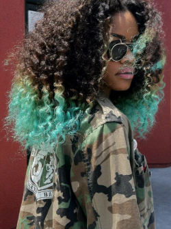 merryblossoms:  HIP HOP FASHION: Teyana Taylor, Ombre Natural Hair (x)