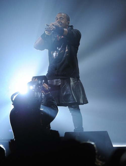 styleite:  Kanye West took on the man-skirt trend at last night's 12-12-12 concert for Sandy relief. What do you think, does he measure up to Marc?   I'mma let you finish Kanye, but Toshiya of Dir en grey had the best kilt/pants combo of all time.