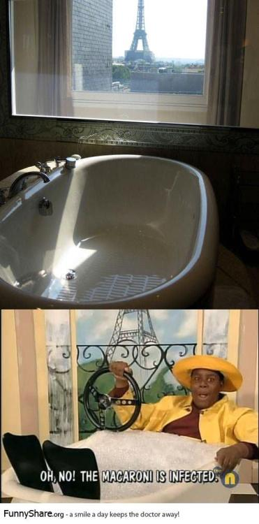 valeria-monicab:  Anyone else think of this after seeing Bathtub with a view?
