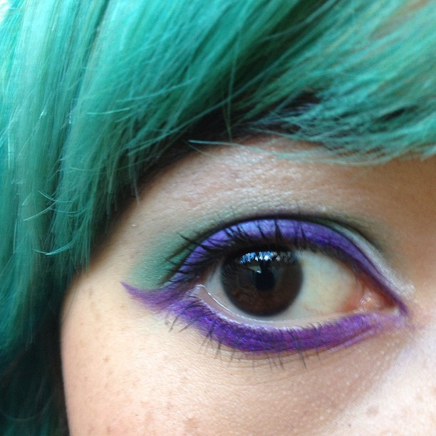 Eyeshadow! Courtesy of Toni :) thanks Toni. #purple #green #eyeshadow #eyeliner #greenhair #tagtagtag