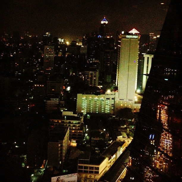 Bangkok night view so nice :)) #bangkok #thailand  #night (at the continent hotel)